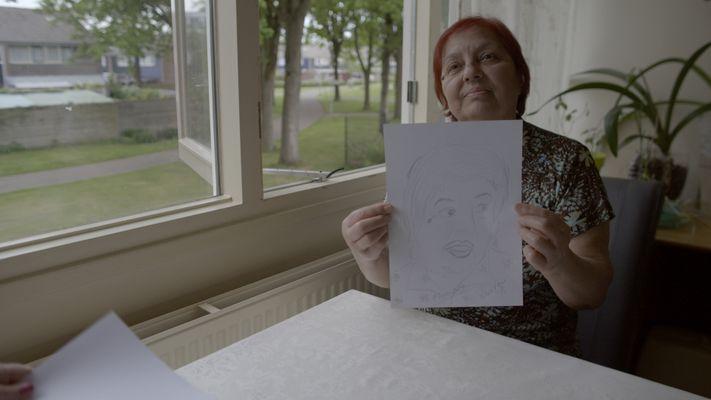 'Voorbij de zee' is een tragikomisch portret van de lelijkheid van Nederlandse woonerven